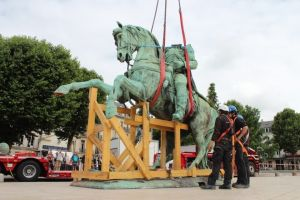 napoleon-galerie-statue-11-960x640